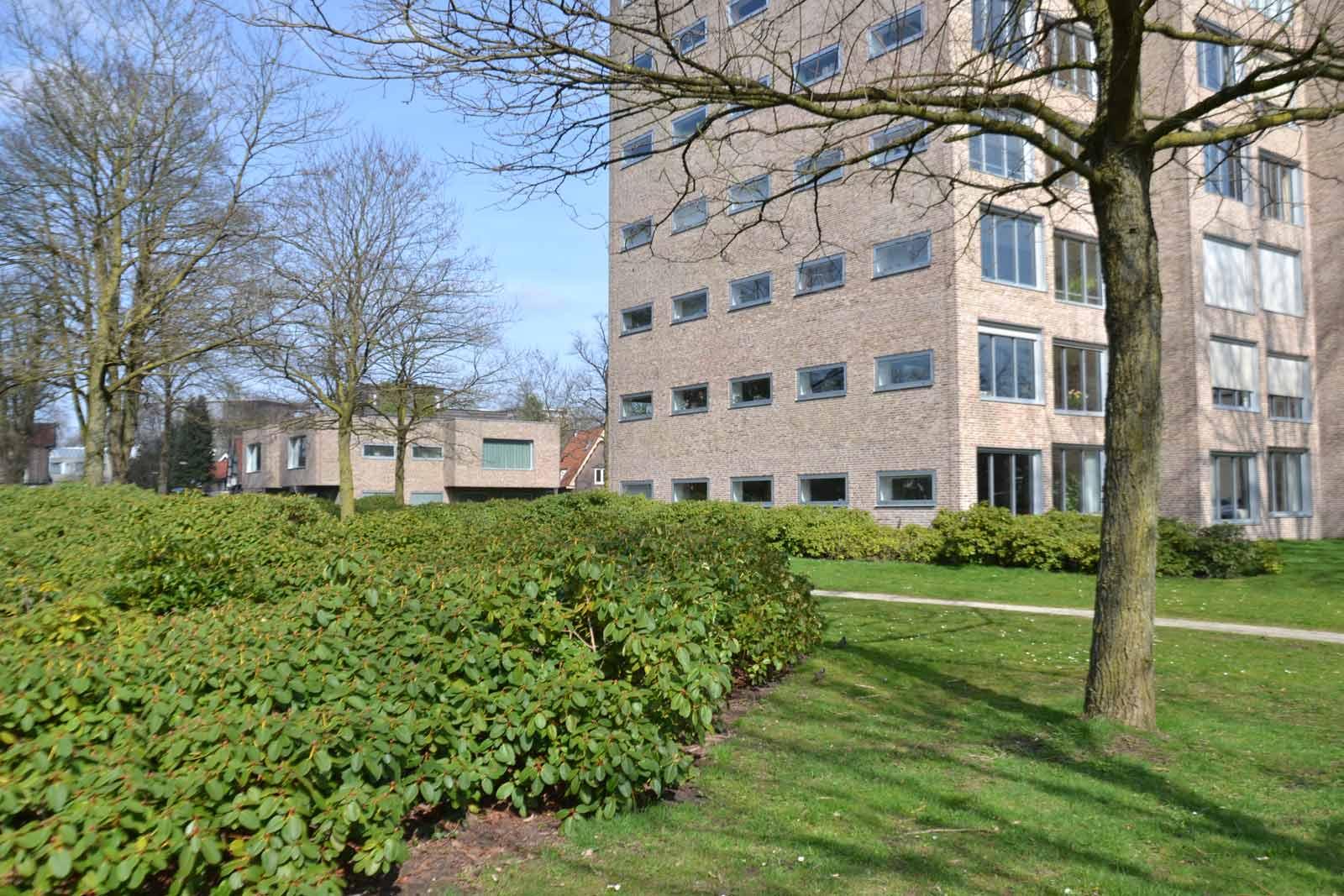 Diekman-landschapsarchitecten_-GGD-terrein-Apeldoorn_Claus-en-Kaan-archietceten_foto9