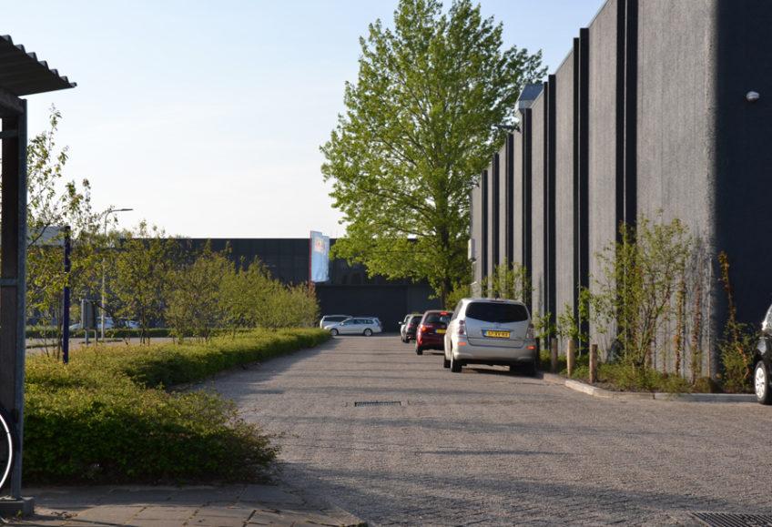 Diekman-landschapsarchitecten_bedrijventerrein_transformatie_AmsterdamZO_Amstel-Gateway_parkeerterrein-848×579