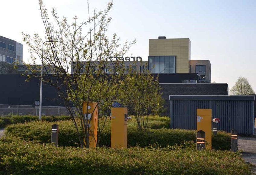 Diekman-landschapsarchitecten_bedrijventerrein_transformatie_AmsterdamZO_Amstel-Gateway_parkeerterrein_krenteboompjes-848×579