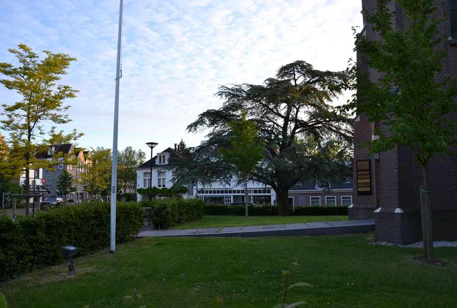 diekman-landschapsarchitecte-_Dorpsplein-Amstelveen_entree-kerk
