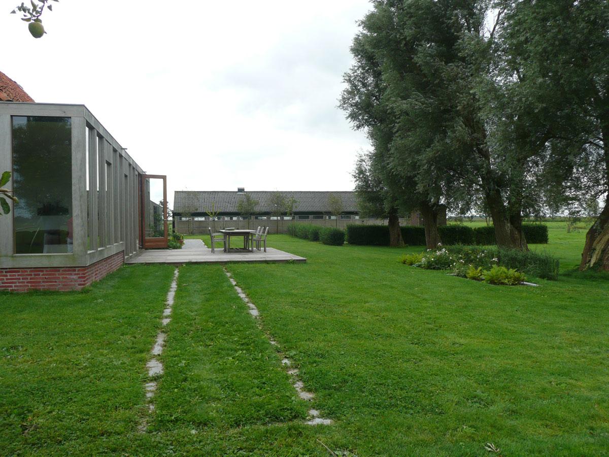 Diekman-landschapsarchitecten_boerenerf-Lemmer_terras-in-gras