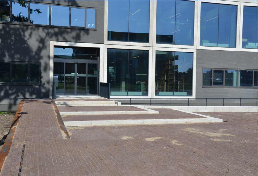 Diekman-landschapsarchitecten_Lucentterrein_entree-pleinzijde